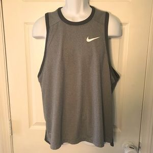 NWOT NIKE Dry Fit Size L Sleeveless Top